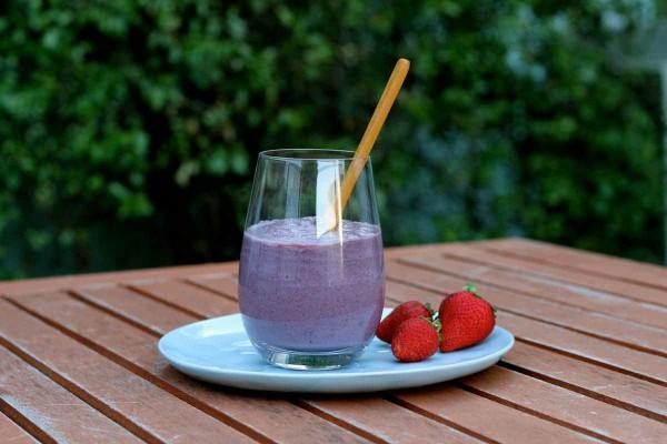 Creamy-Cococnut-Berry-Parfait